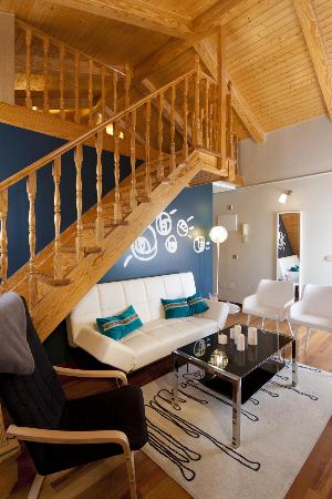 Madrid SmartRentals Gran Via: Stairs to the second floor