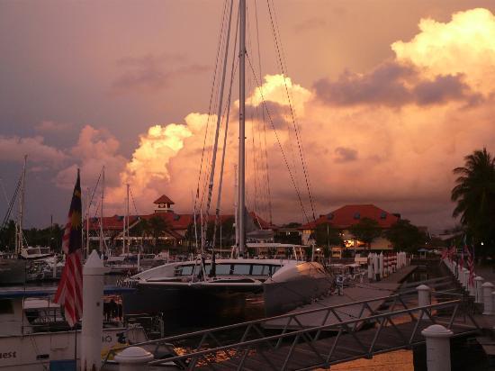 Sutera Harbour Resort (The Pacific Sutera & The Magellan Sutera): Harbour sunset
