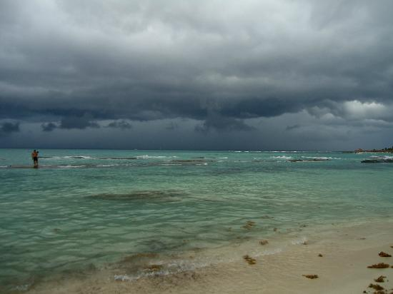Grand Bahia Principe Tulum: Storm coming in.
