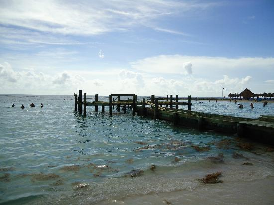 Grand Bahia Principe Tulum: Rebuilding dock in front of Alkuma