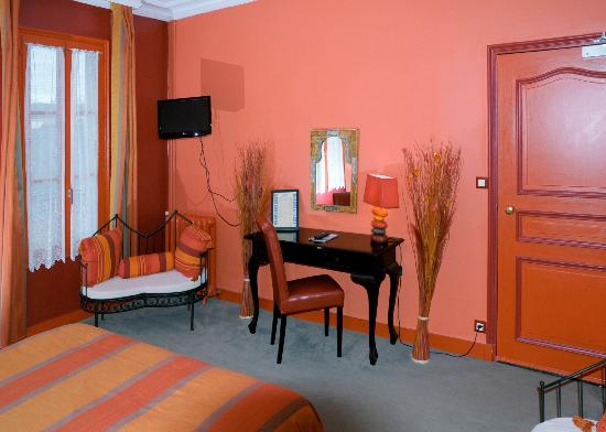 Photo of Hotel Colbert Tours
