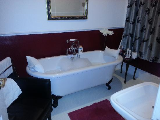 The Villa Bridlington: bathroom