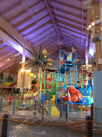 Coco Key Water Resort at Courtyard by Marriott Fitchburg: Center of water park
