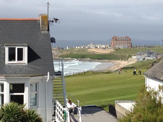Natural Retreats Fistral Beach: view of sea and golf