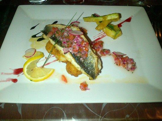 Le Port: délicieux poisson