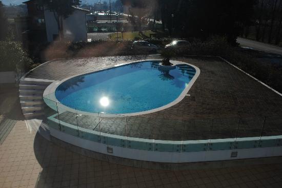 Prince Hotel: piscina