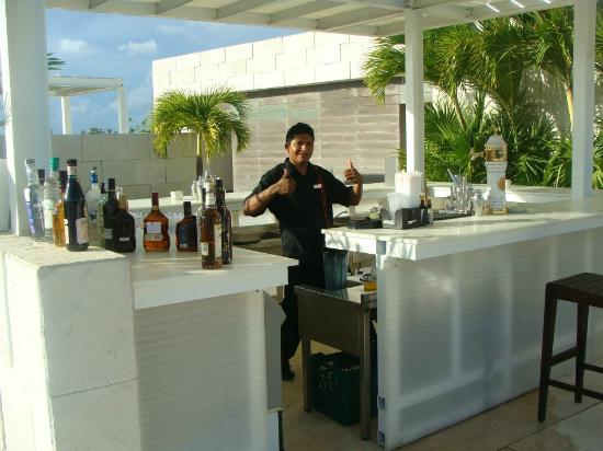 Blue Diamond Riviera Maya: Pool Bar