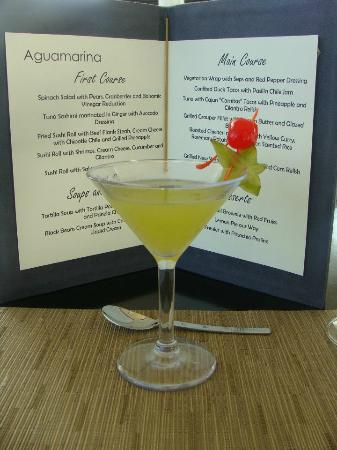 Blue Diamond Luxury Boutique Hotel: Cocktails with lunch