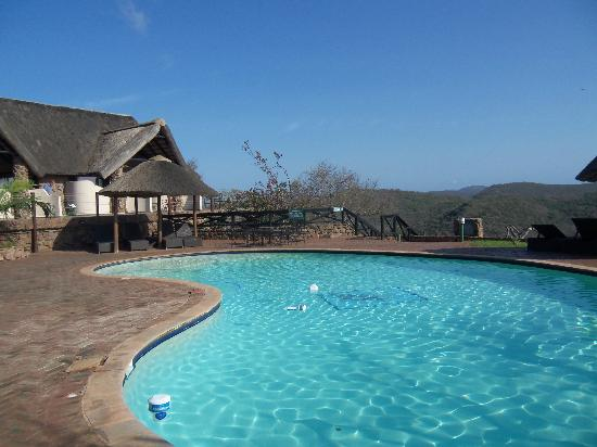 Zulu Nyala Game Lodge: Our room was to the left of pool