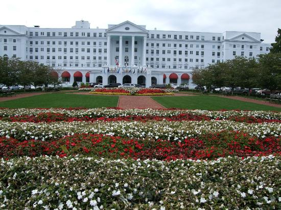 The Greenbrier: Front of Resort