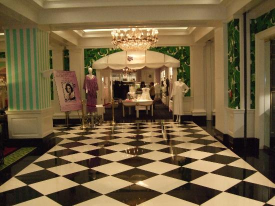 The Greenbrier: Lengerie Shop
