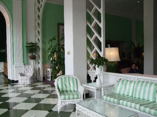 The Greenbrier: Lounge area
