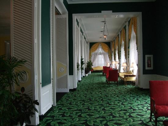 The Greenbrier: Hall outside main dining room
