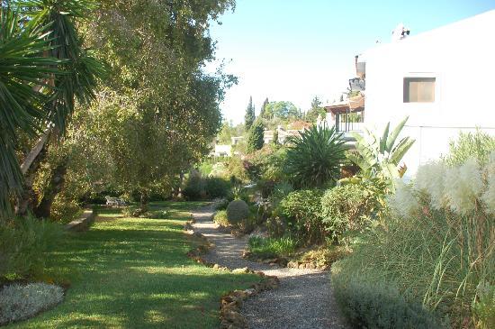 Rancho Sentosa: Garden