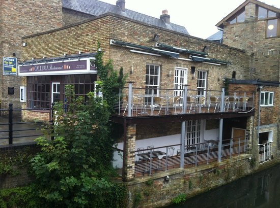Galleria Restaurant : Table with a view overlooking the River Cam.