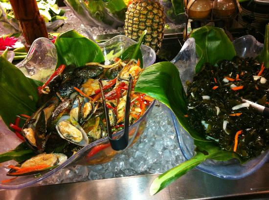 Ka'anapali Beach Club: Seafood buffet on Wednesdays