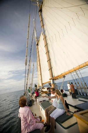 Schooner Appledore IV BaySail: Appledore IV on Saginaw Bay
