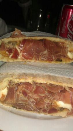 Pizzeria Pub Palm Beach: il re dei panini crudo e parmigiana