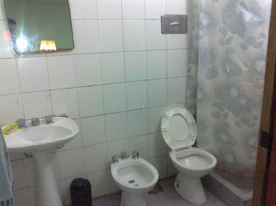 Hostel Zaballa: baño