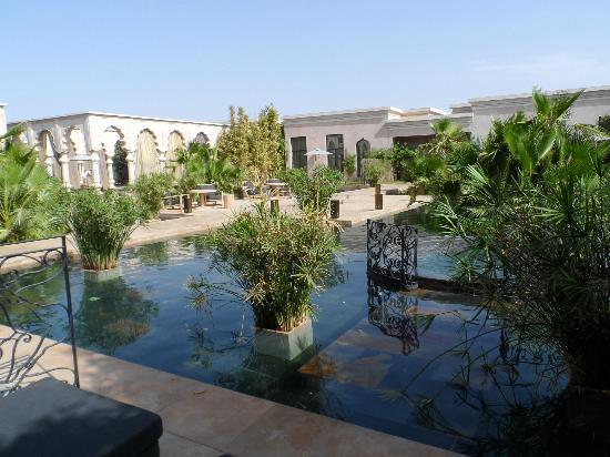 Palais Namaskar: Grounds