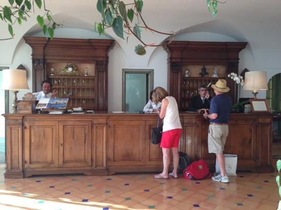 Le Sirenuse Hotel: フロント