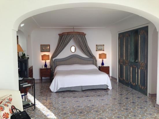 Le Sirenuse Hotel: ベットルーム