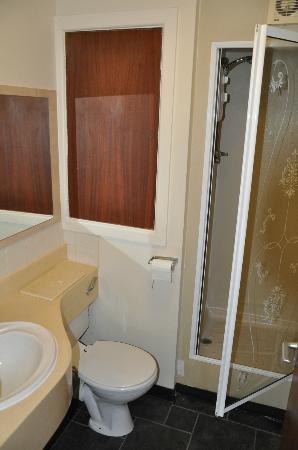 A1 Haven Caravan Holidays: Bathroom