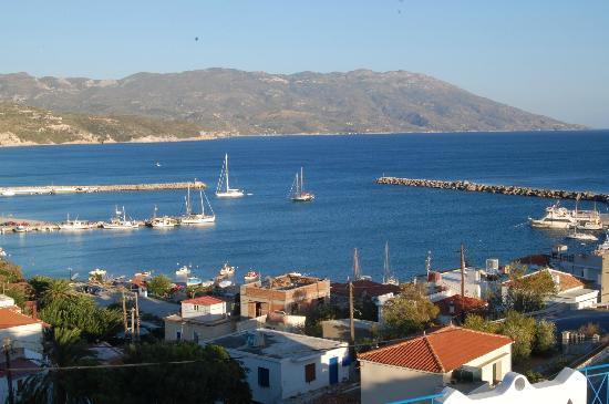 Pavlis studios overlooking Ormos harbour