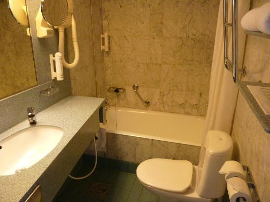 Scandic Marski: Baño