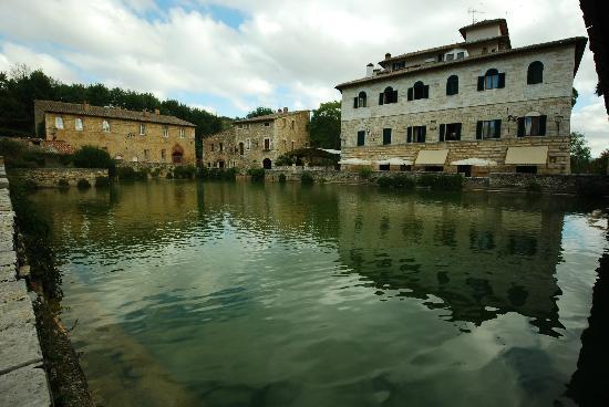 piscina - Picture of Albergo Posta Marcucci, Bagno Vignoni ...