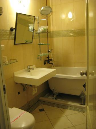 Dream Forest Villa Cingjing Fantasy Building: Bathroom