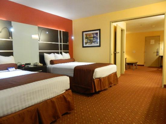 Best Western Plus Carlton Suites