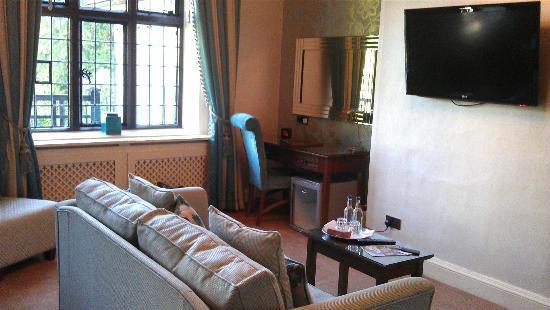 Inglewood Manor: Room 5
