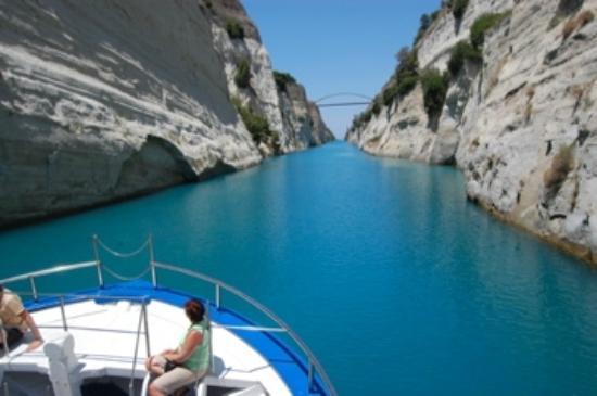 Skafidia, Hellas: sur le canal de Corinthe