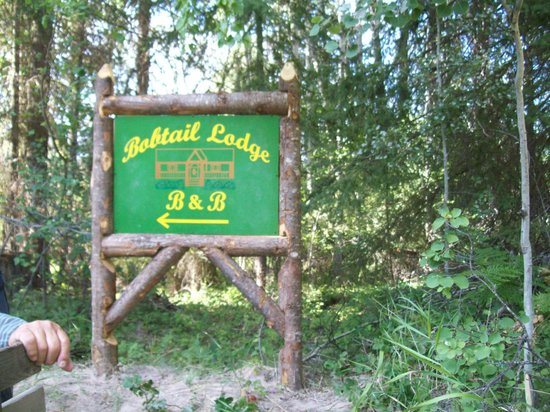 Bobtail Lodge Bed & Breakfast : The New Sign