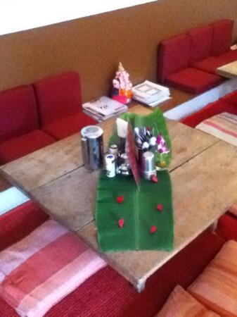Anokhi Garden Guest House & Cafe: inside front room