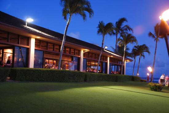 Lawai Beach Resort: Beach House restaurant