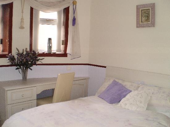 Shawlee Cottage: Bedroom