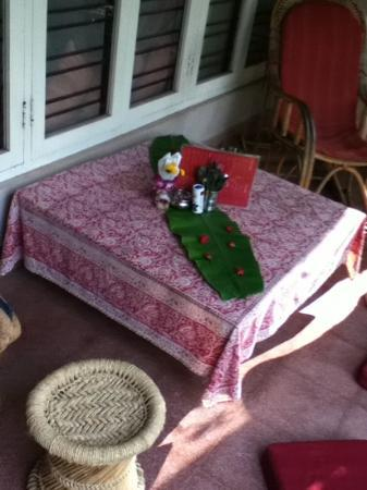 Anokhi Garden Guest House & Cafe: the front terrace