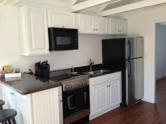 Essex Street Inn & Suites: Kitchen