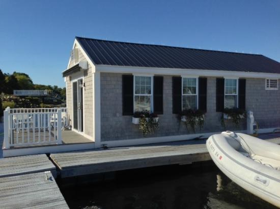 Essex Street Inn & Suites: Floating Cottage