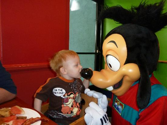Disney's PCH Grill : Jake and Max!