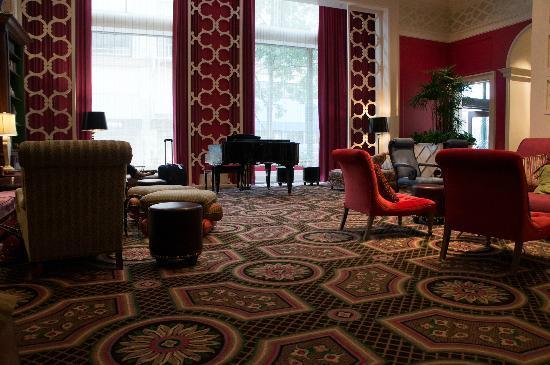 Kimpton Hotel Monaco Portland: lobby..relaxing