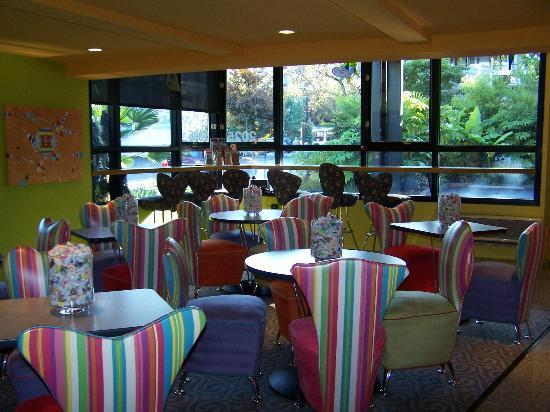 Inn at Northrup Station: The Stripey Breakfast Room
