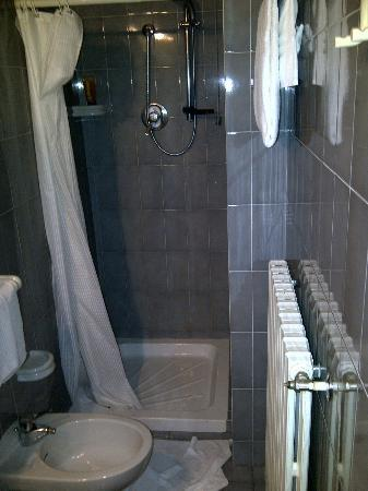 Astra Hotel: My Bathroom