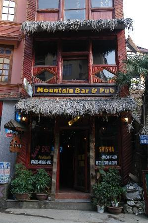 Mountain Bar & Pub 6