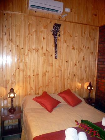 Costa del Sol Iguazu: habitación de Cabaña Lapacho