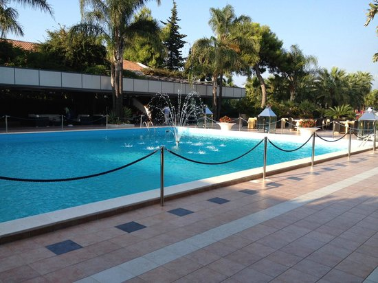 Hotel Ariston: Den folktomma poolen