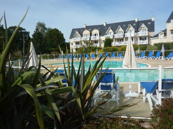 Pierre & Vacances Résidence Cap Azur : Piscine