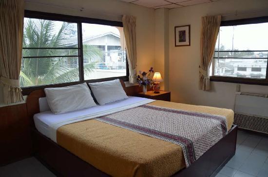 Cha-am Villa Beach Hotel: Cha-Am Villa Hotel